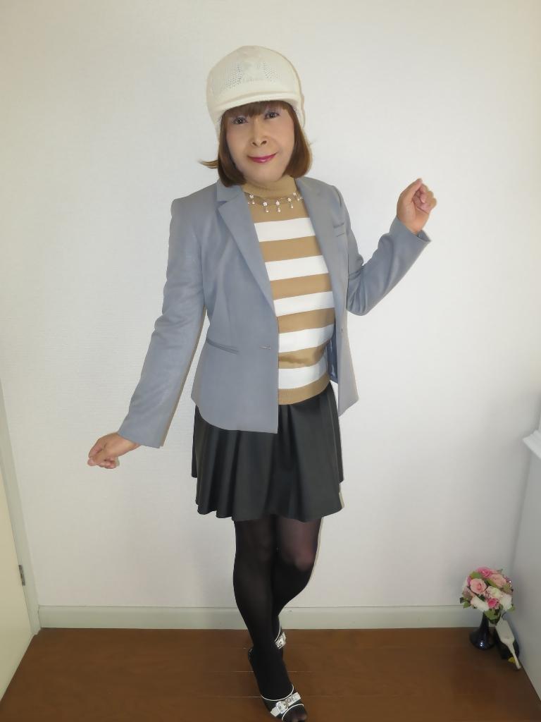 グレージャケット白ニット帽A(3)