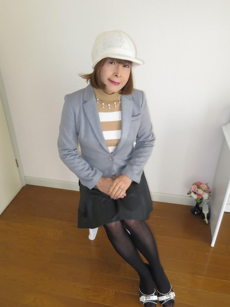 グレージャケット白ニット帽B(1)