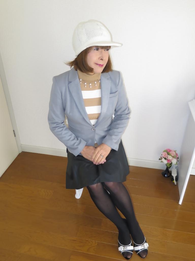 グレージャケット白ニット帽B(2)