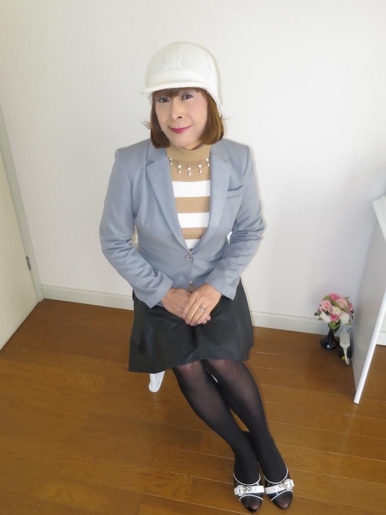 グレージャケット白ニット帽B(3)