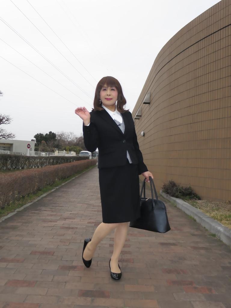 OL黒スーツ (4)