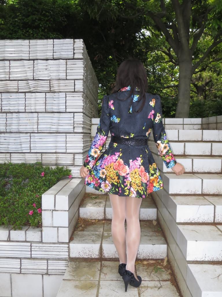 黒地花柄ミニワンピA(5)