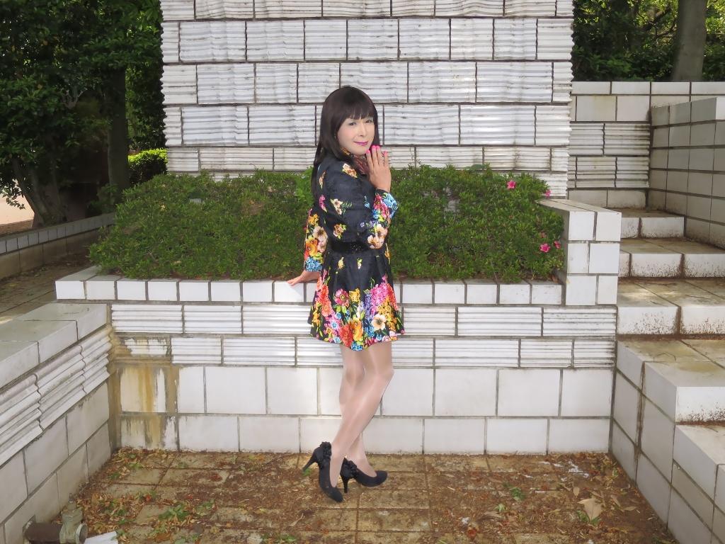黒地花柄ミニワンピC(6)