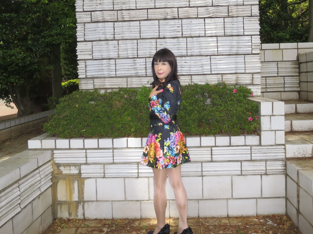 黒地花柄ミニワンピC(7)