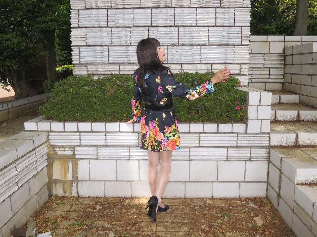 黒地花柄ミニワンピC(8)