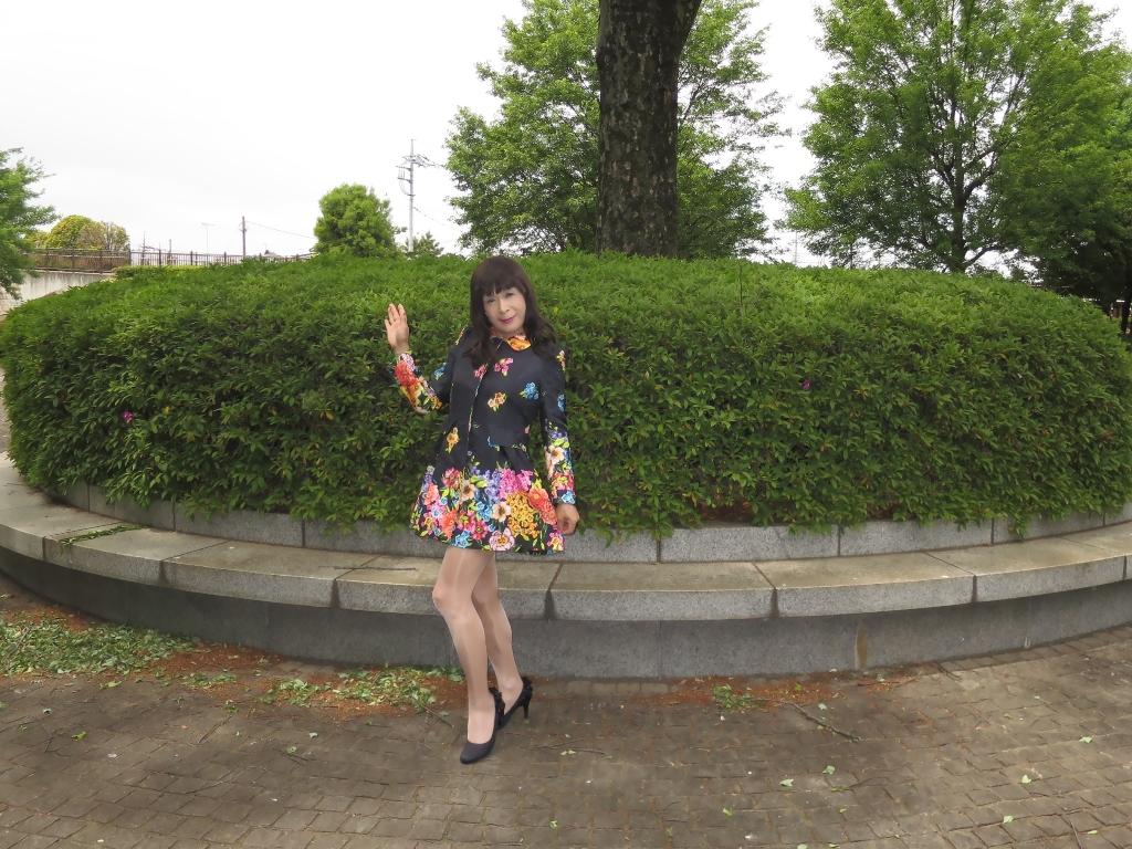 黒地花柄ミニワンピG(4)