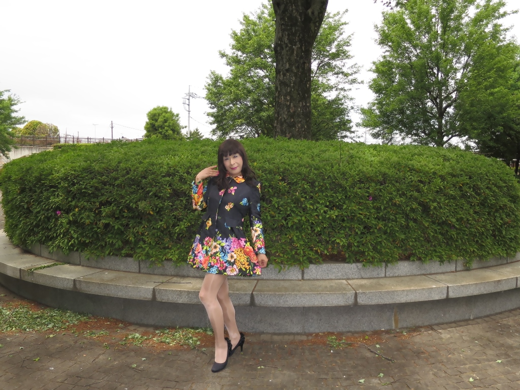 黒地花柄ミニワンピG(5)