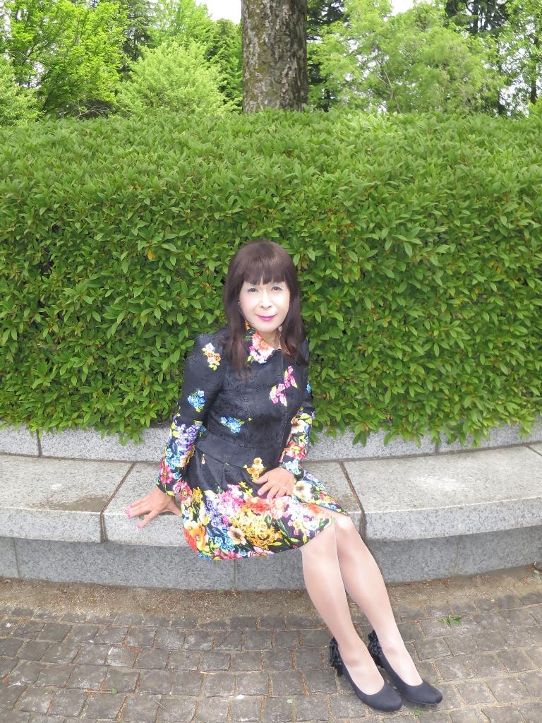 黒地花柄ミニワンピE(1)