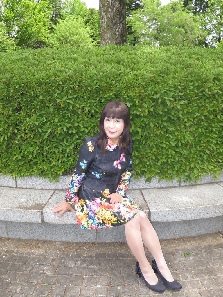 黒地花柄ミニワンピE(3)