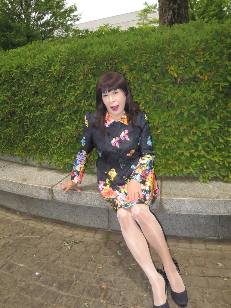 黒地花柄ミニワンピE(6)