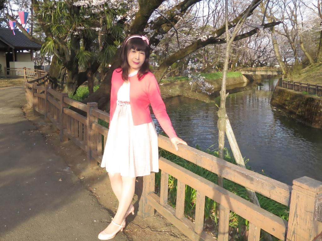 ワンピとピンクカーデD(3)