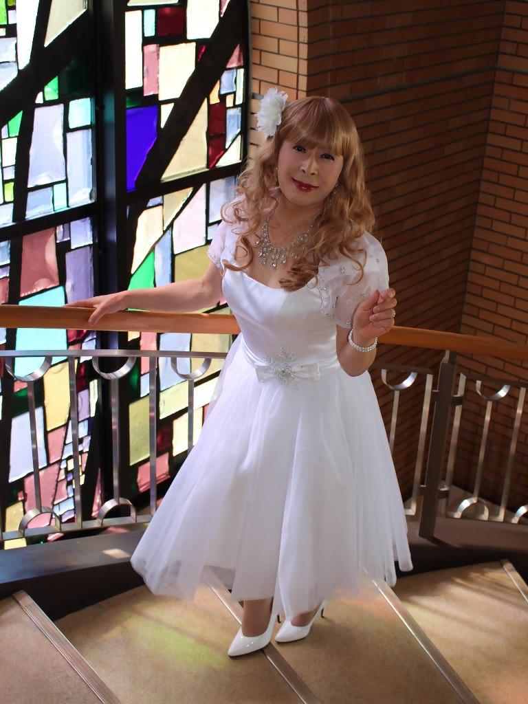 白ショートドレス階段縦D(7)
