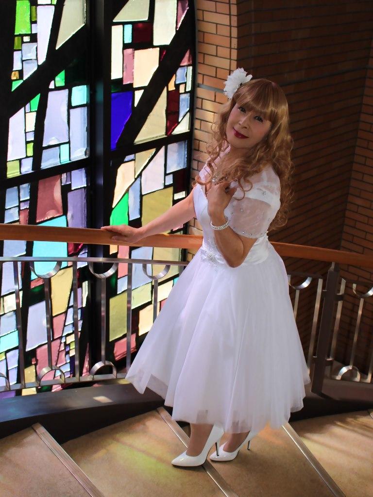 白ショートドレス階段縦D(8)