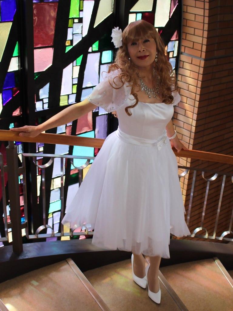 白ショートドレス階段縦D(10)