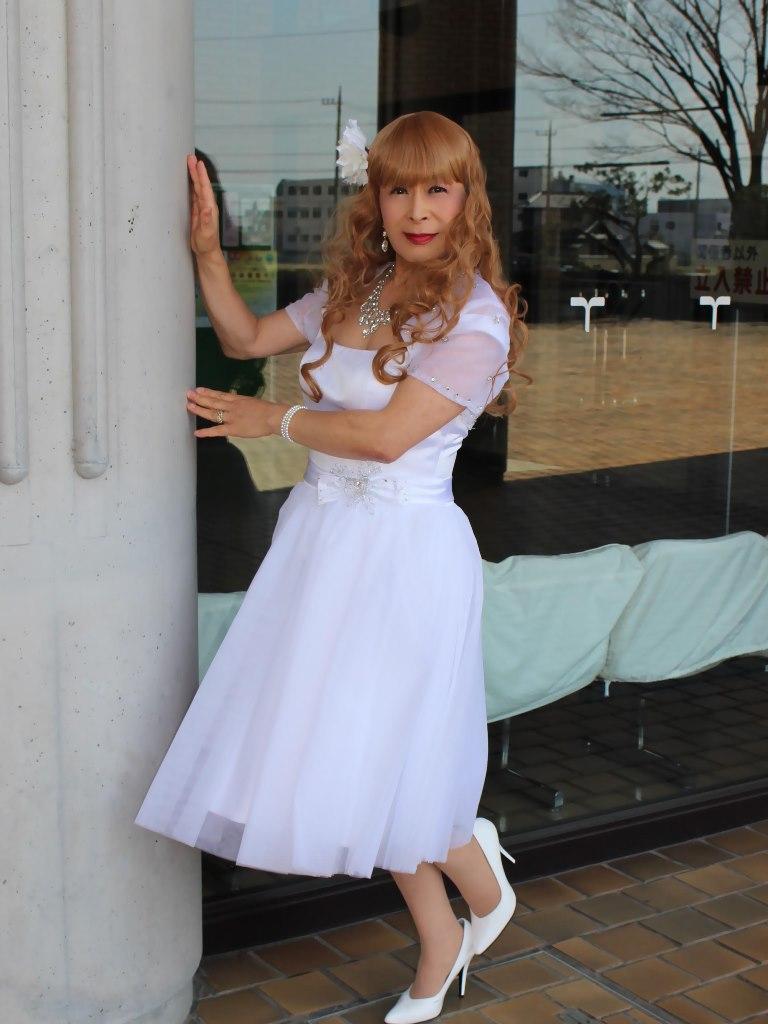 誕生日記念白ショートドレス(1)