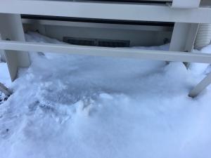 霜取り運転されず水滴が出ていない