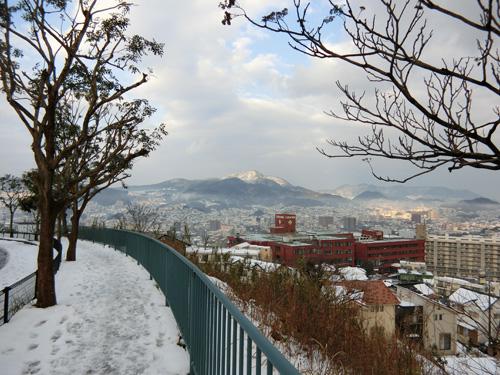 特に山側はチェーン無しではつらい感じです。
