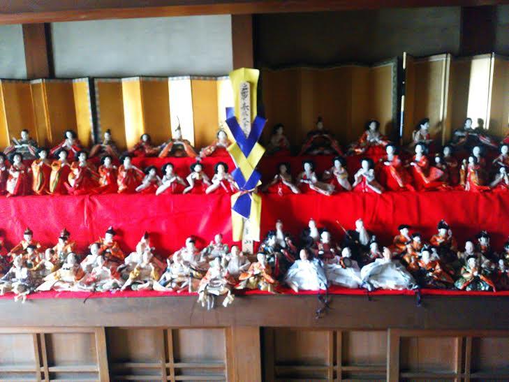 古民家山崎邸内の雛人形