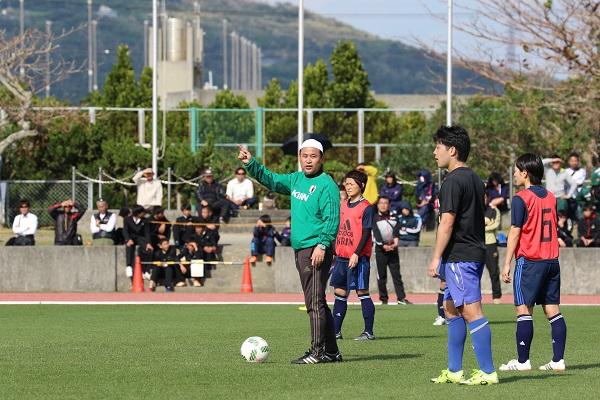 沖縄での第2次キャンプでは琉球大学の協力で男子のスピードを体感した。