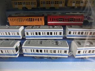 コレクションケース内の銚子電鉄デハ1001&1002