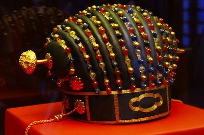 国王の王冠 金銀水晶珊瑚碧玉ガラス