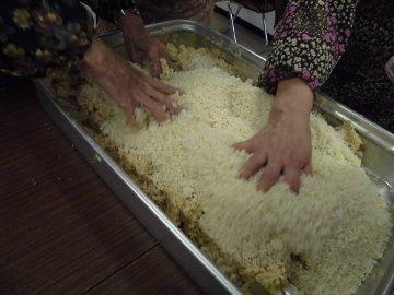 女性部味噌作り27年度3