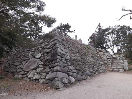 36伊勢の城めぐりの旅(神戸城跡天守台石垣)