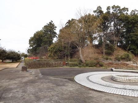 37伊勢の城めぐりの旅(神戸城跡本丸西側内堀)