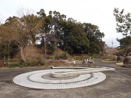 38伊勢の城めぐりの旅(神戸城跡本丸西側内堀2)