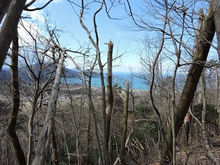 12駈倉山砦跡より若狭湾を望む