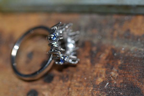 手作りハンドメイドリング指輪加工中