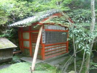 石山寺閼伽井屋