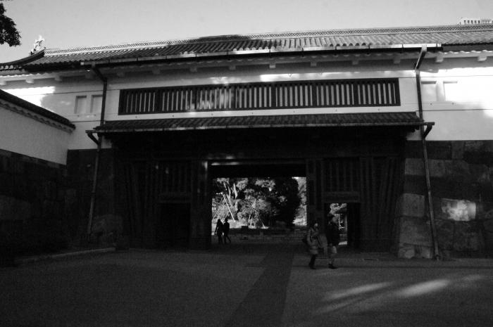東京walk1917大手門