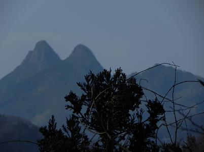 特徴のある山