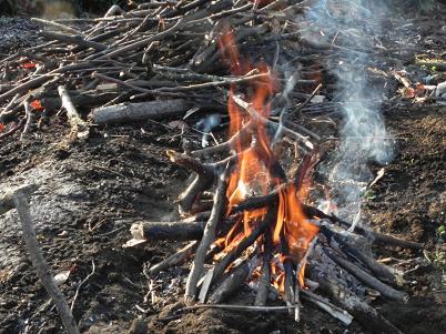 雑木の灰の製作