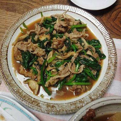 s-ほうれん草と豚肉とまいたけの炒め物*