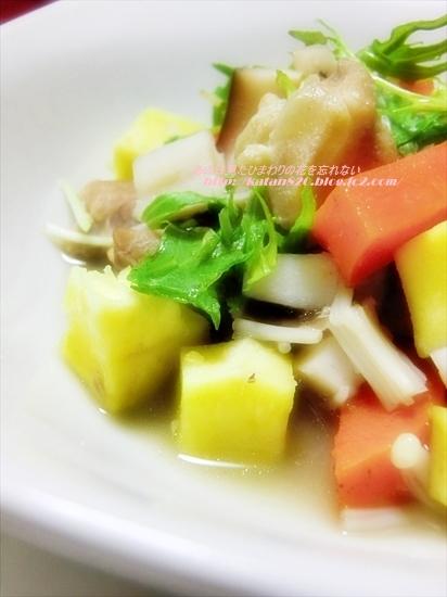 鶏ひざ軟骨と根菜の生姜煮♪