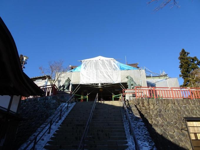 御岳神社は修復中