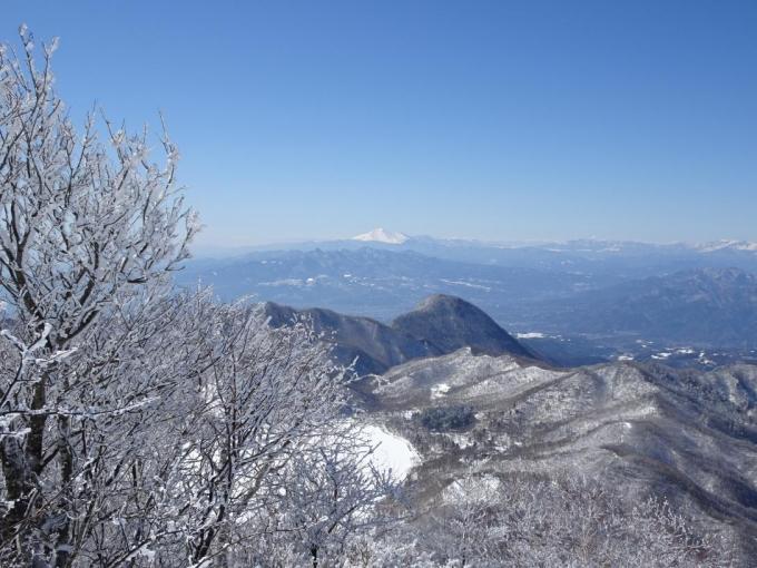 霧氷と浅間山