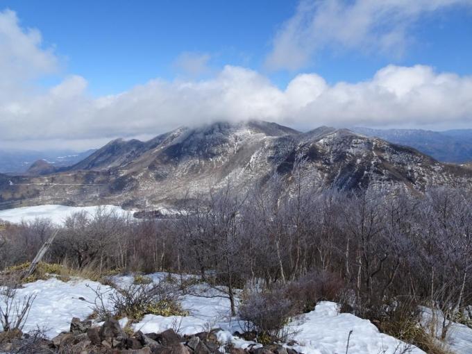 霧氷と大沼、黒檜山