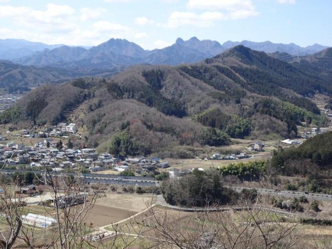 吾妻山から四ッ又山・鹿岳