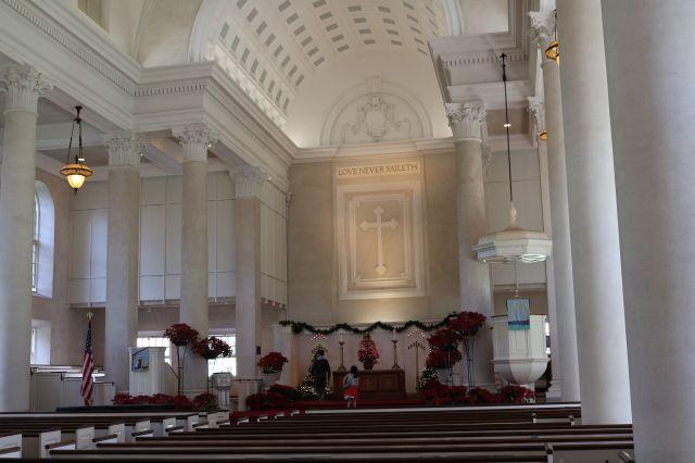 教会内(1)