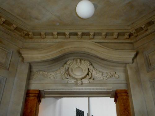 北菓楼 階段室 間仕切り装飾