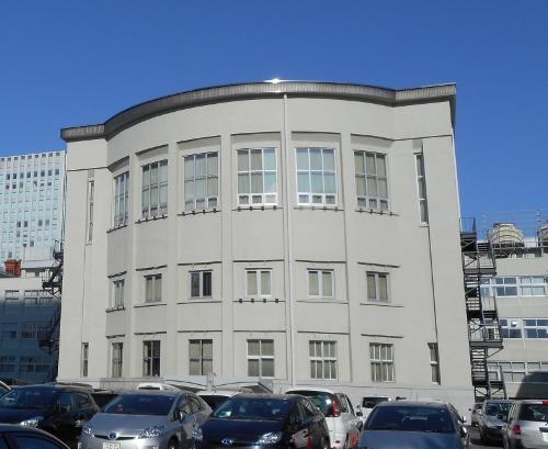 道議会庁舎 背面