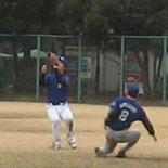 鎌田が村上を制し、中飛を捕球
