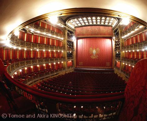 Teatro Nacional Cervantes (C) Akira KINOSHITA for blog