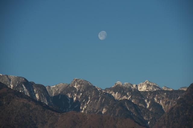 鋸岳と月のコラボ