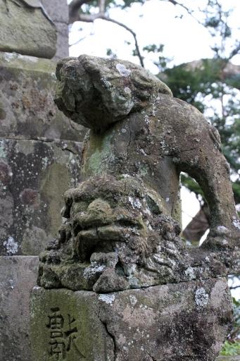 田々神社の狛ワンコ