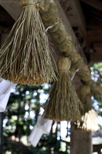 比加夜神社拝殿の注連縄