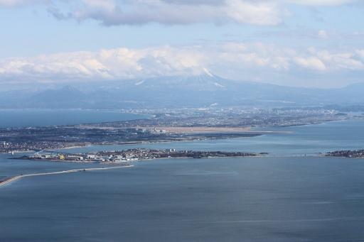 華蔵寺から見た大山・中海